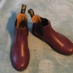 CHERRY RED SMOOTH Air Wair 2976 Dr. Martens.
